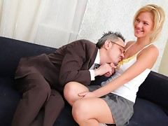 When Shelly spends a little extra time with her teacher she soon realises what a tricky old bastard he really is! It's not long before he's got his cock out and she's stripping off for a nice fuckvideo